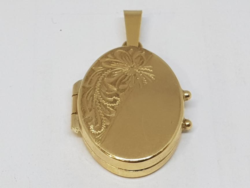 Zlatni medaljon oval sa gravurom
