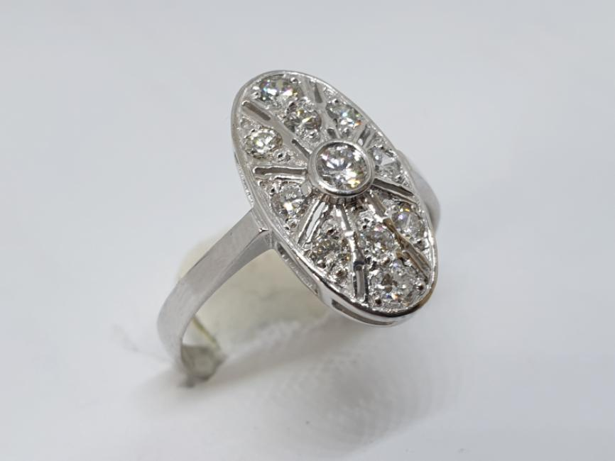 Zlatni prsten sa brlijantima