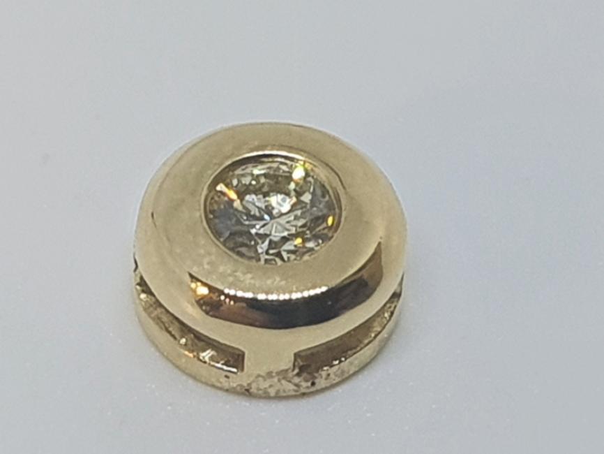 Privezak klizac sa brilijantom od žutog zlata