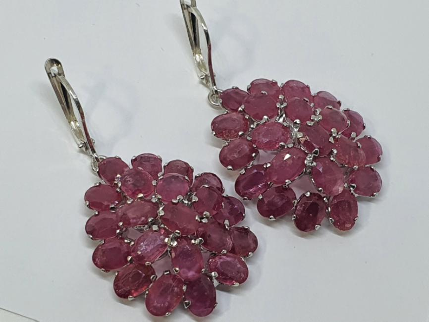 Silver earrings with natural ruby
