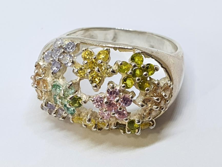 Srebrni prsten sa šarenim cveticima