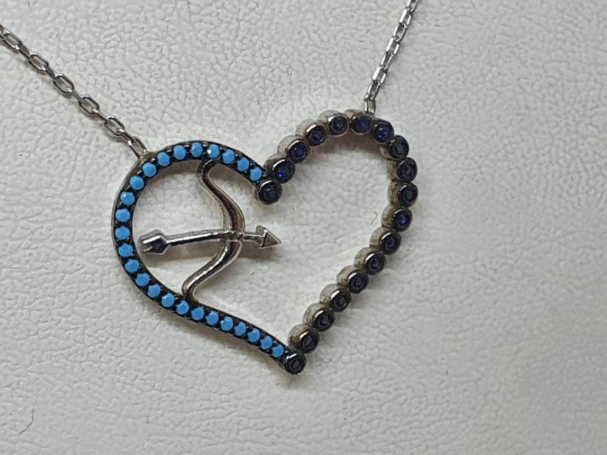 Srebrna ogrlica sa srcem i tirkizima