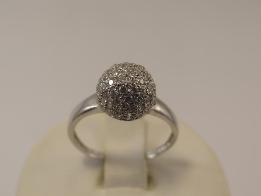Prsten kugla sa cirkonima od belog zlata