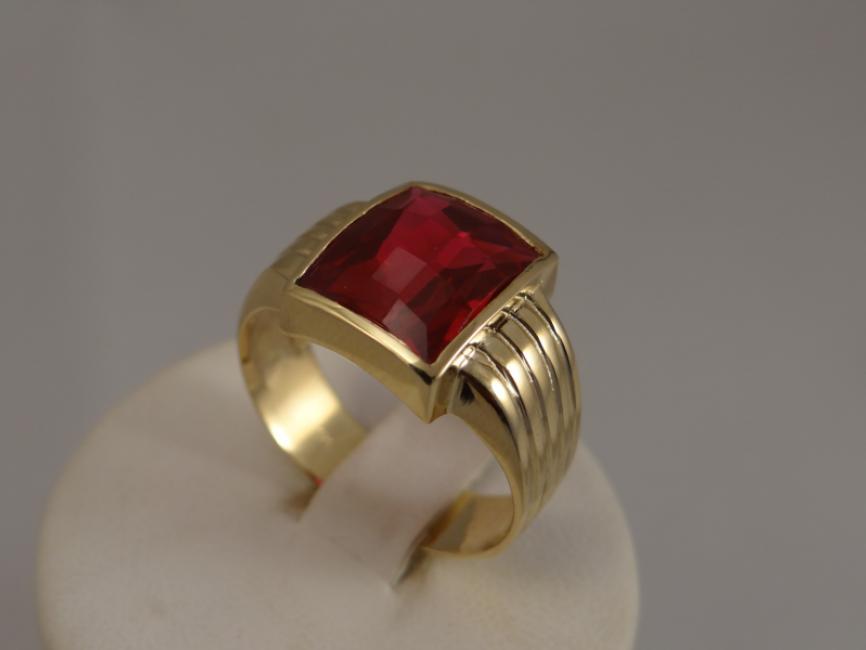 Muški prsten sa rubinom