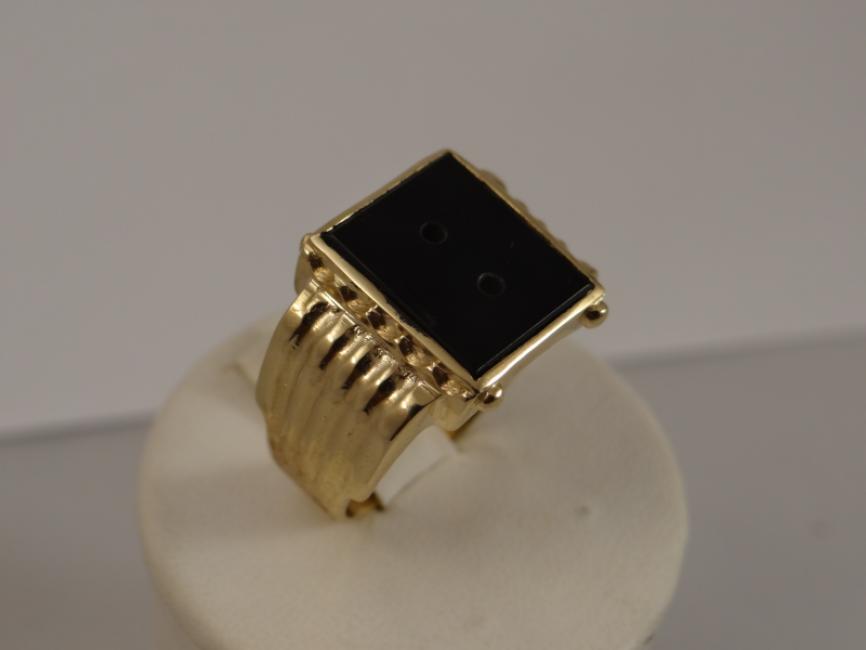 Muški prsten sa oniksom bez monograma